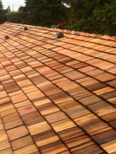 400x533_WestcoastRoofing_Services_SlopedRoof_shingles