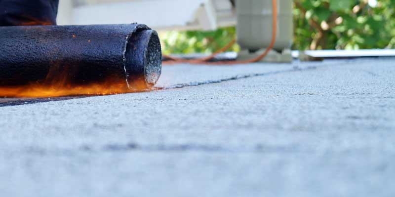 800x400_WestcoastRoofing_Services_FlatRoof_ModifiedBitumen_torch-on