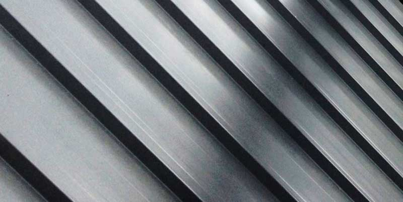 800x400_WestcoastRoofing_Services_SlopedRoof_MetalPanel_metal-roofs